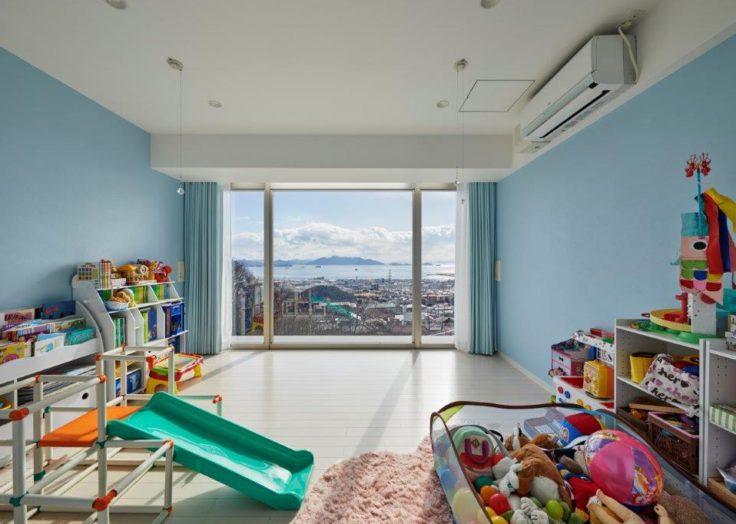大窓の子供部屋
