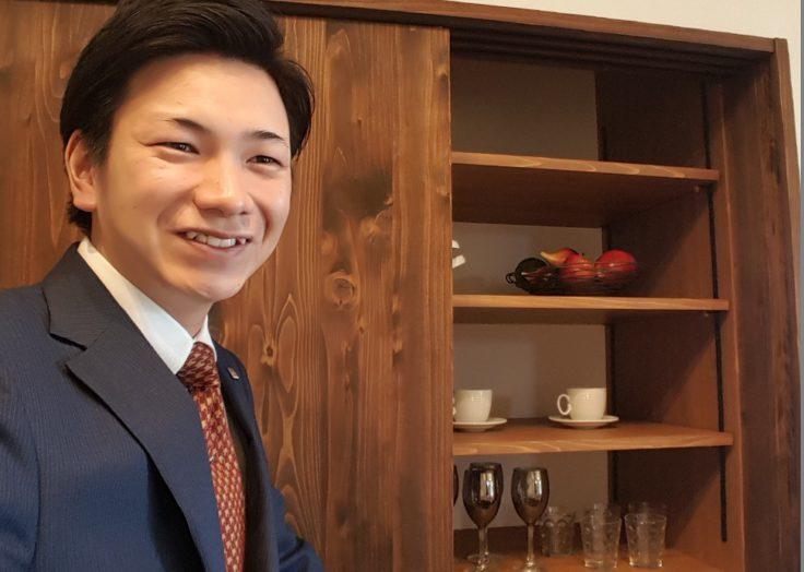 注文住宅営業課の川﨑が、完成見学会をご紹介いたします 広島の2×4新築注文住宅&リフォームなら マリモハウス