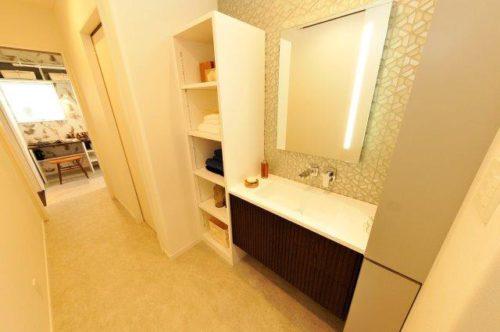 スタイリッシュで機能的! 洗面化粧台RUSCELLO(ルシェーロ)|広島の2×4新築注文住宅&リフォームなら マリモハウス