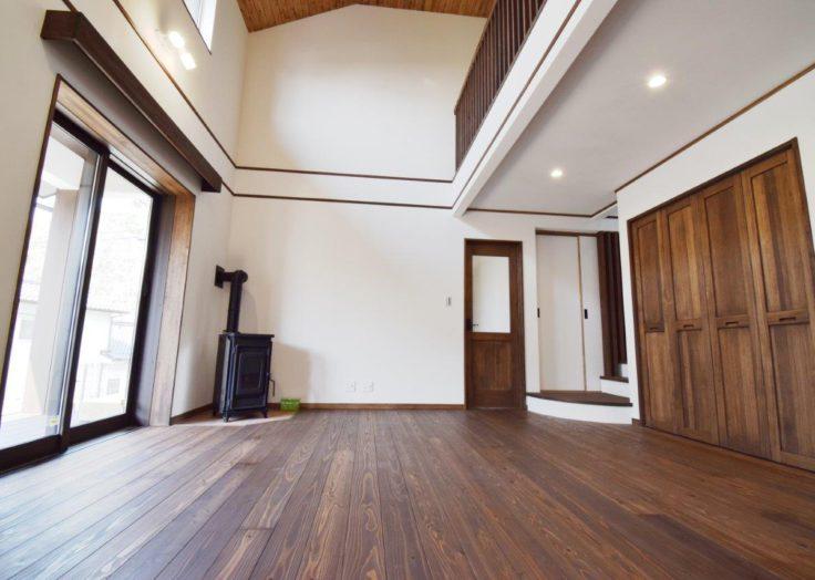 薪ストーブやペレットストーブのある暮らし|広島の2×4新築注文住宅&リフォームなら マリモハウス