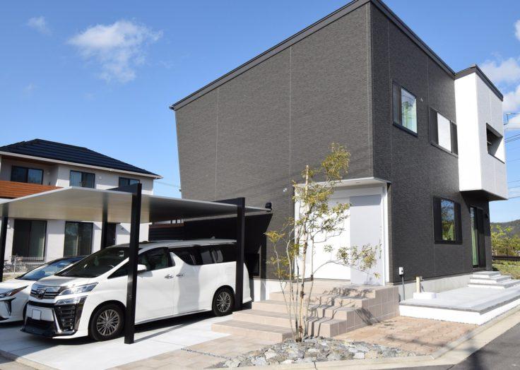 【注文住宅】デザインハウスは広々としたLDKにスケルトン階段