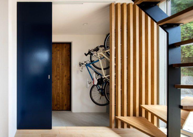 自転車のある玄関