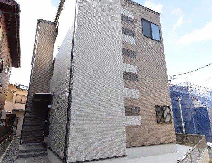 【木造アパート】木造3階建て 9戸 ワンフロアに3部屋のアパート