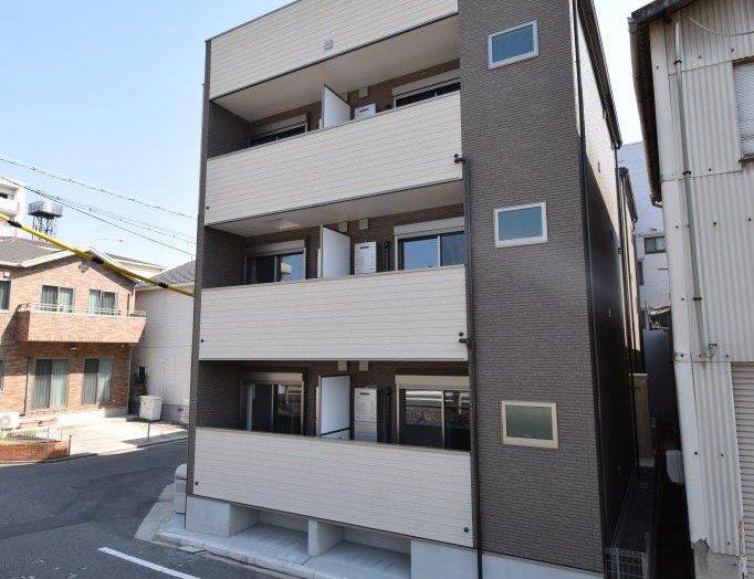 【木造アパート】木造3階建て 12戸 ワンフロアに4部屋の3階建てアパート